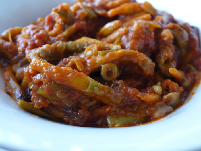 beans in tomatoes and cumin