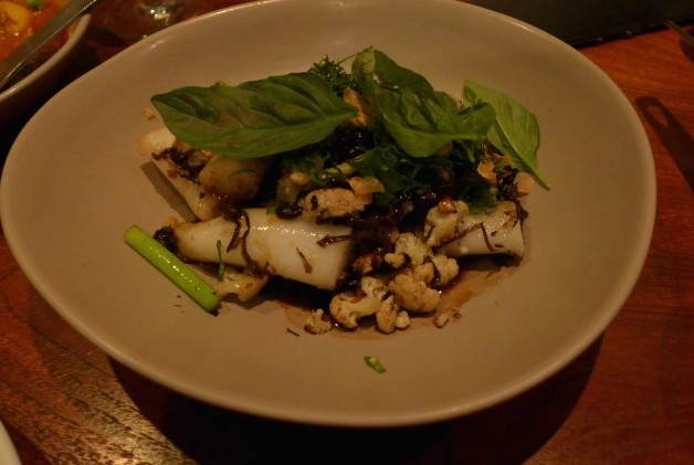 charred rice noodle