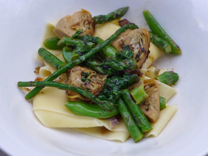spring vegetable braise with pasta